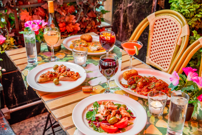 Italian Restaurants In Nyc: Casa Bella, Little Italy NYC